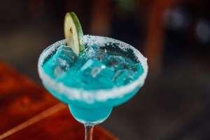 Blue-Cocktail-bar-1839361-Pexels-PD-Pixabay